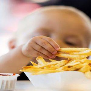 نقش والدین در چاقی کودک