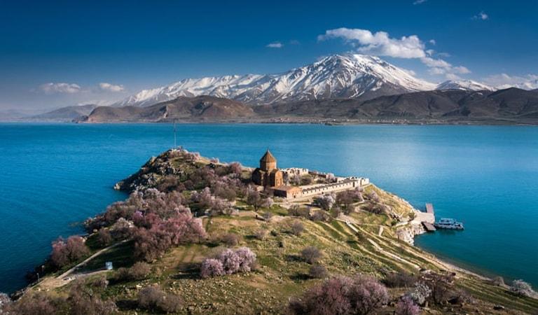 جاهای دیدنی ترکیه - دریاچه وان