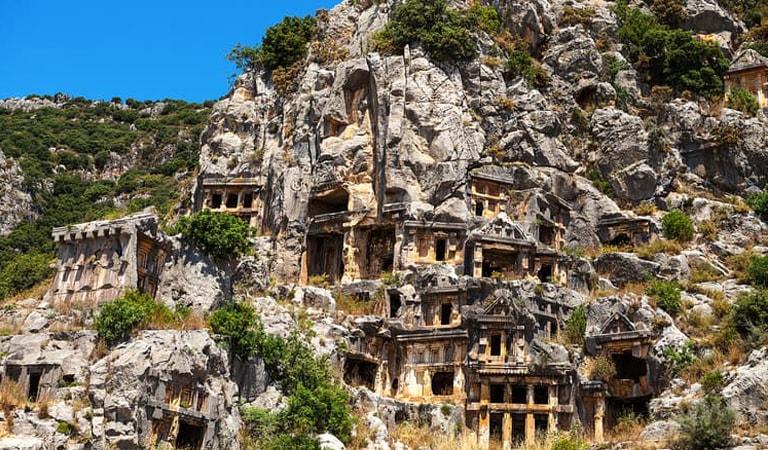 جاهای دیدنی ترکیه - مقبرههای سنگی میرا