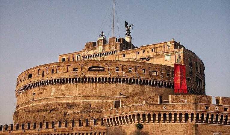 جاهای دیدنی رم - به سمت قلعه سنت پیتر بالا بروید
