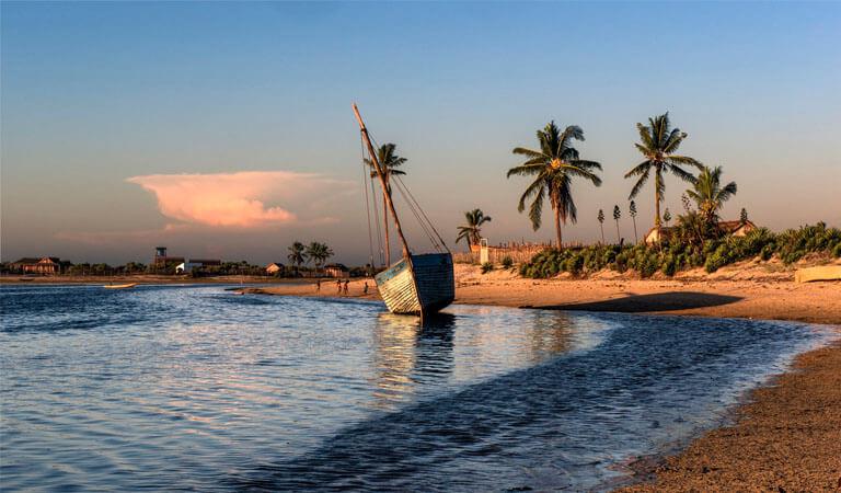 جزیره ماداگاسکار - خلیجهای لس ترویس (سه خلیج)