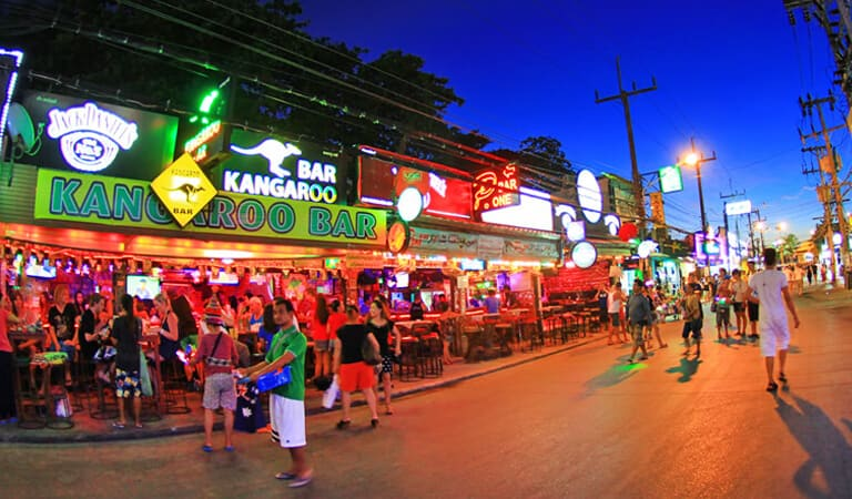 جاهای دیدنی پوکت - جاده سوئی بانگلا – لذتی برای افراد خوش گذران