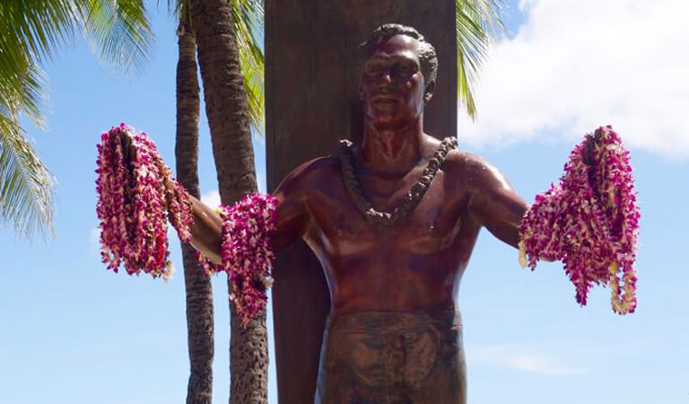 جزایر هاوایی - ادای احترام به دوک
